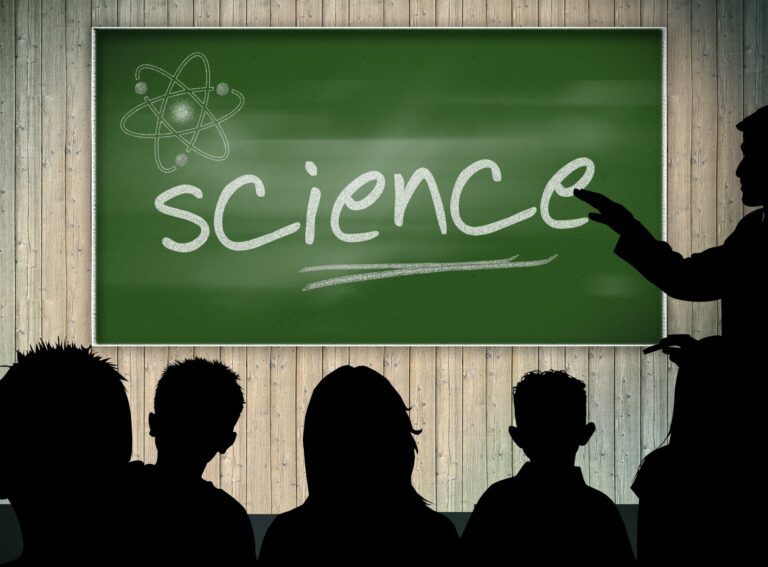 7 Important Tech Tools for Science Career Students
