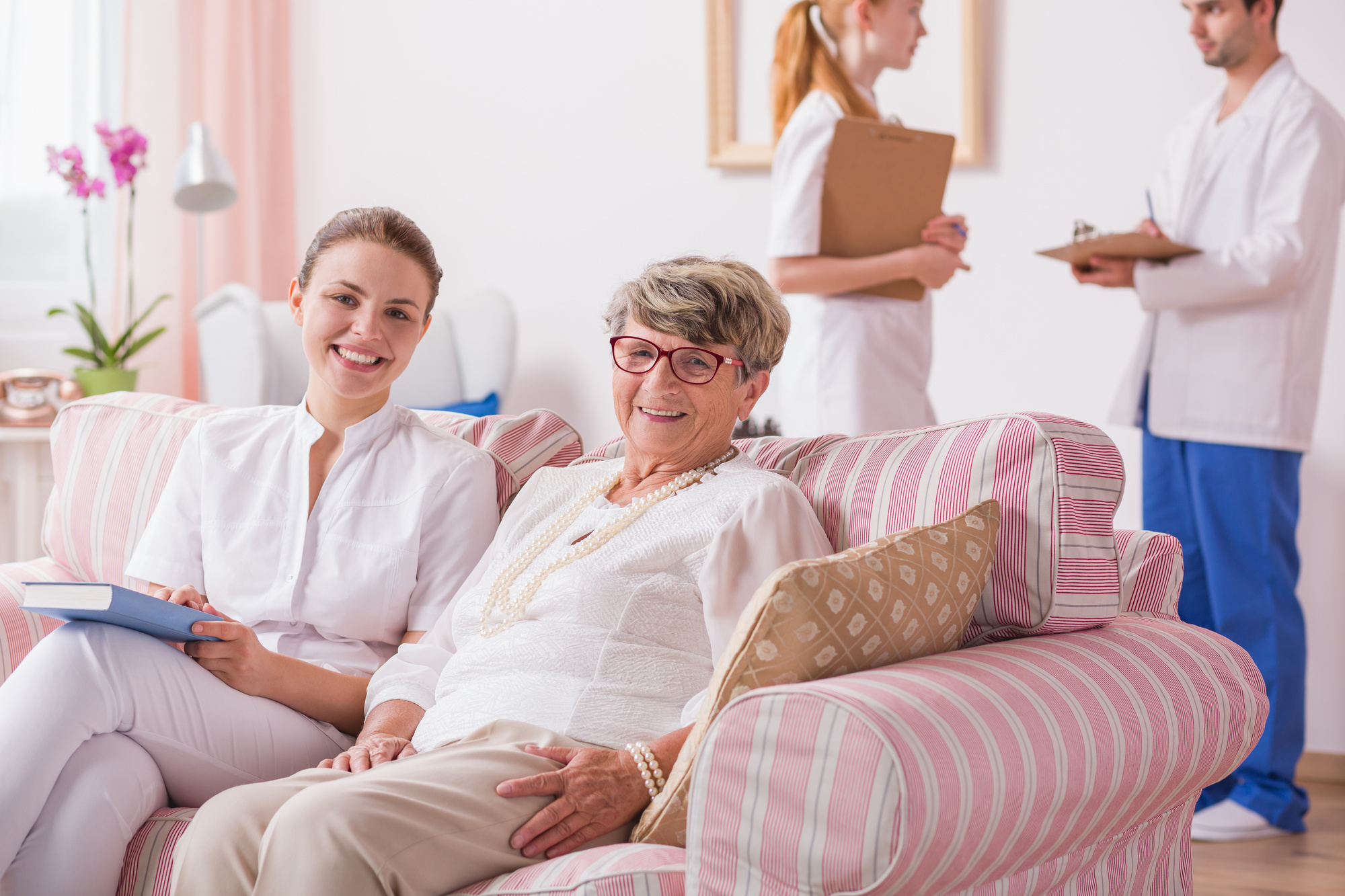What Type of Insurance Pays for Assisted Living?