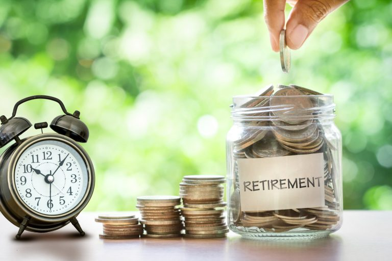5 Expert Tips to Retire Early and Live the Dream Life