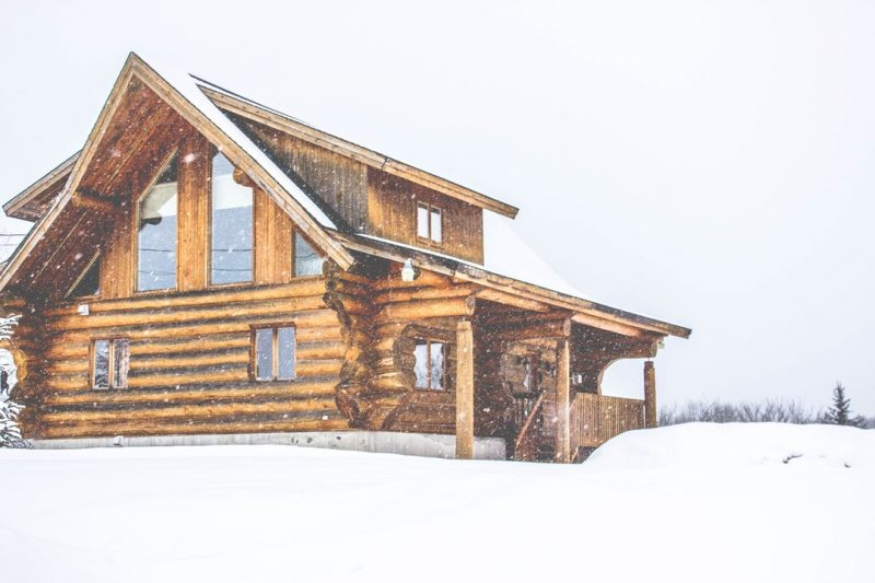 Would you love to buy a log home but don't know much about them? Keep reading and learn more with these tips about buying a log cabin.