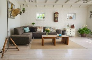 5 Effective Tips for Cleaning a Living Room